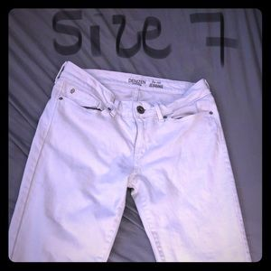 Levi's low rise white jeggings.